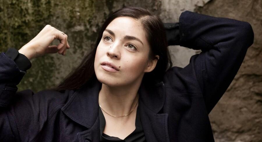Natalie Madueno er den unge frister i »Swinger«.