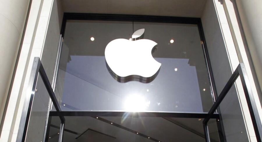 Apple indtager en plads i solen, da det nu kan kalde sig historiens mest værdifulde børsvirksomhed.