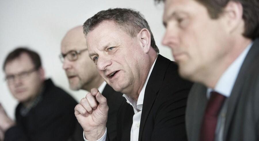 Kronens kurs faldt fredag efter Overvismand Hans Jørgen Whitta-Jacobsen udtalte til internationale medier, at kapitalbegrænsninger kunne blive indført som våben. Det hele var muligvis en misforståelse.