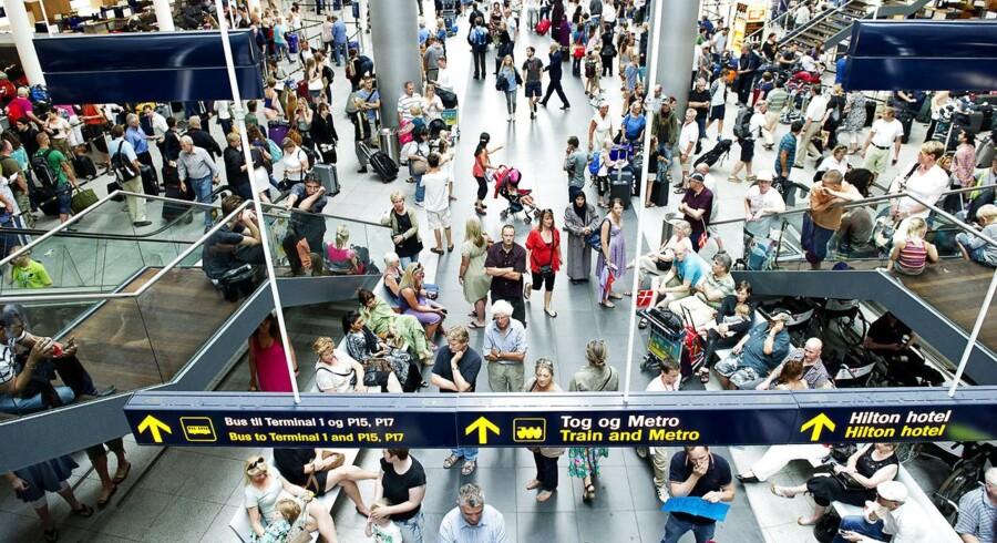 Lufthavnen regner med, at passagertallet vil fortsætte med at vokse, men den fortsatte økonomiske usikkerhed i euroområdet kan trække i negativ retning, påpeger ledelsen.