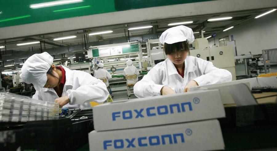 Der er tegn på øvet aktivitet i den kinesiske industri. Her ses Foxconn-fabrikken i Guangdong provinsen, som er verdens 10. største arbejdsgiver