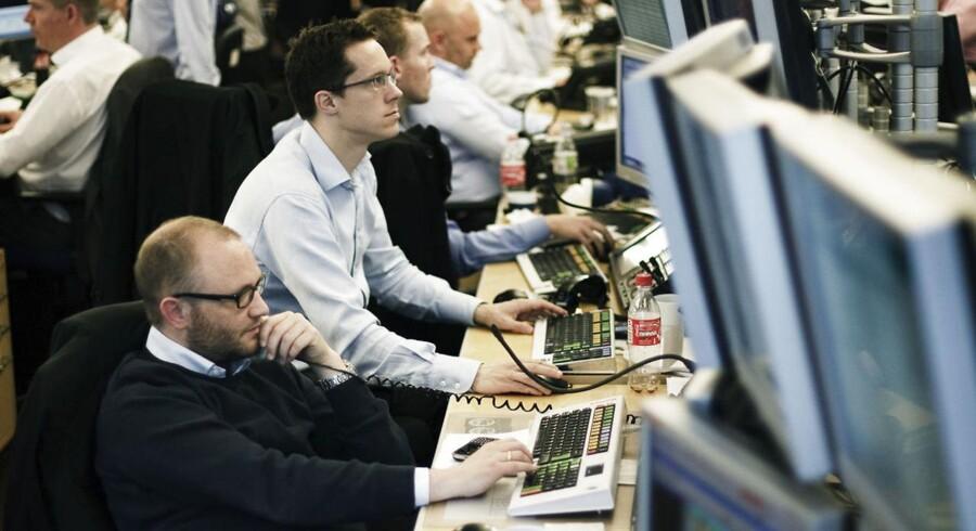 Aktie- valutahandel i Danske Bank.
