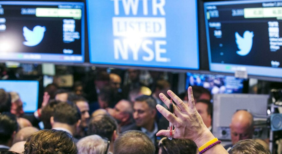 Der var rift om Twitter-aktierne på den første handelsdag på børsen i New York.
