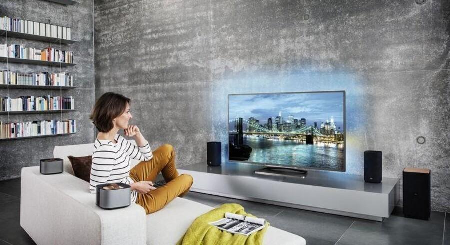 Det store boom i fladskærmssalget skete, da først det danske TV-signal i 2009 gik fra analogt til digitalt og så igen, da TV 2 og de øvrige kanaler gik over til at bruge MPEG4-standarden for halvandet år siden. Derfor håber TV-producenterne, at det nye ultra-HD - som her Philips' PFL9708-fjernsyn - kan få folk til at skifte TV-apparatet ud. Foto: Philips