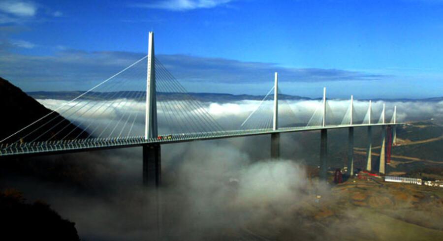 Verdens højeste, Millau Viaduct, Frankrig. Foto: Jean-Phillipes Pearles.