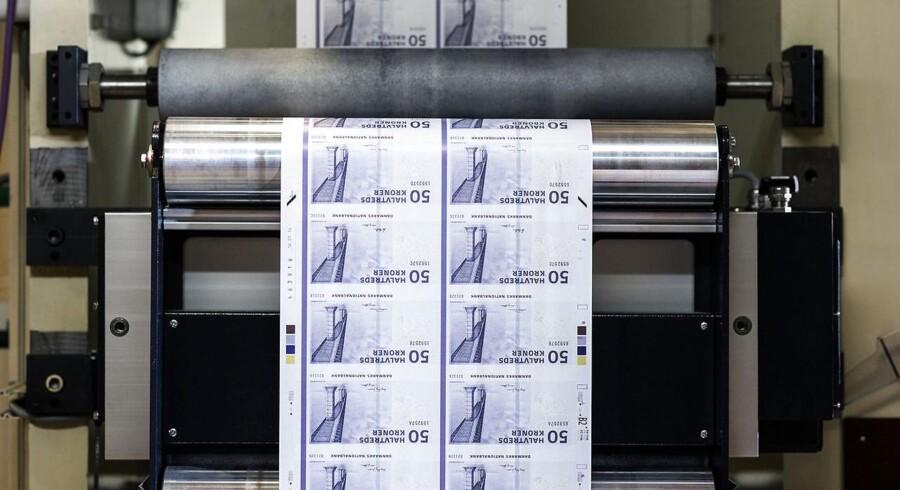 Presset på den danske krone er ganske massivt netop nu, hvor investorer forsøger at presse kronen ud af sit bånd over for euro, hvilket ifølge de fleste vil medføre en markant styrkelse af den danske valuta.