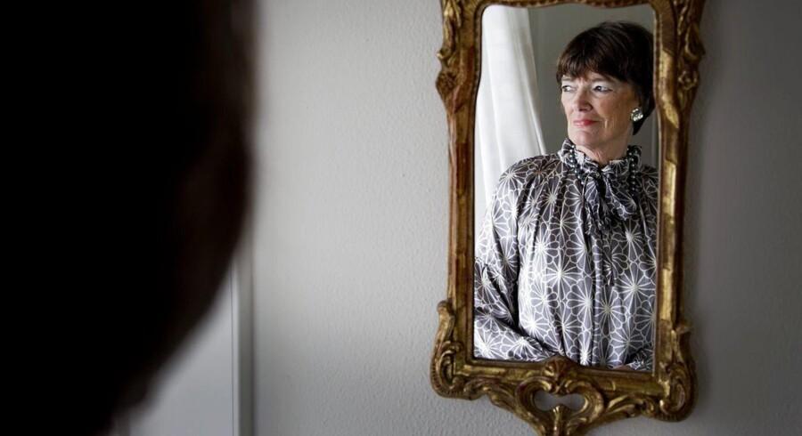 »Jeg har konstant smerter,» fortæller Jane Aamund til BT. Den 77-årige forfatter vil have aktiv dødshjælp på grund af smerter, der stammer fra intensiv strålebehandling for cancer i ganen.