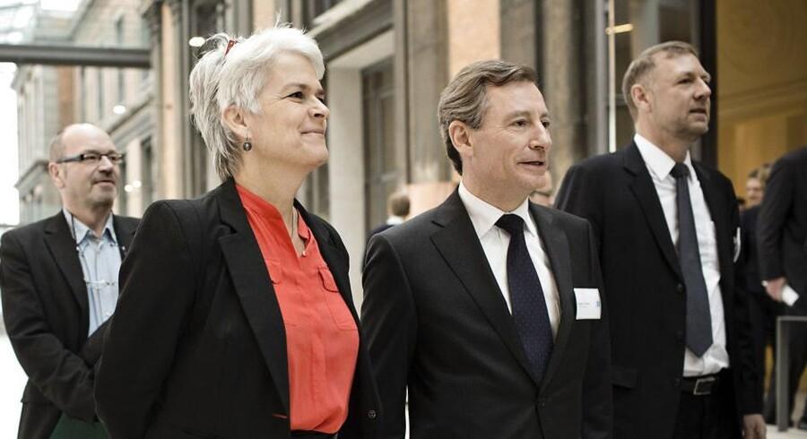 Erhvervs -og Vækstminister Annette Wilhelmsen og Finansrådsdirektør, Jørgen A. Horwitz.