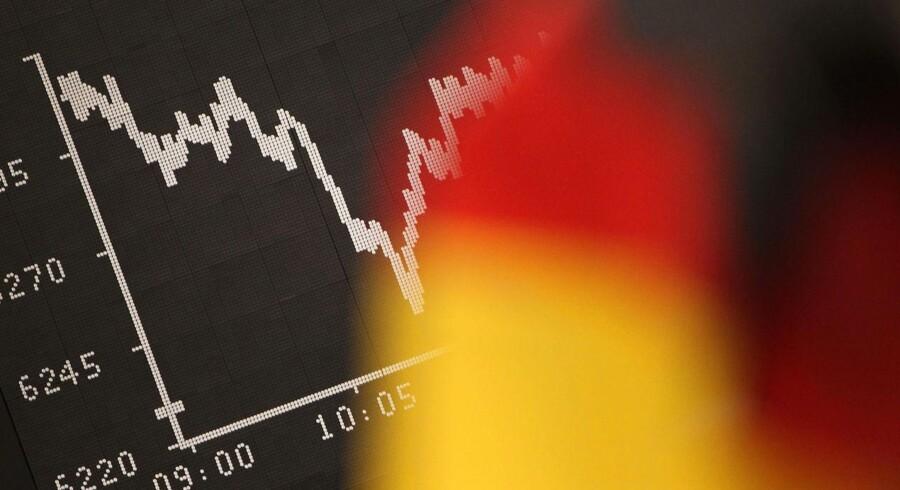 Det tyske detailsalg steg med 5,1 pct. på årsbasis i juni, det viser en opgørelse fredag morgen.