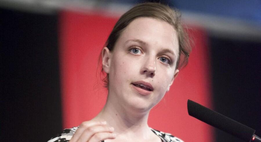 Rina Ronja Kari repræsenterer Folkebevægelsen mod EU i Europa-Parlamentet. Selvom hun har været aktiv i valgkampen om retsforbeholdet herhjemme de seneste uger, er hun ikke med ved forhandlingerne på Marienborg, der skal afgøre konsekvensen af valget.