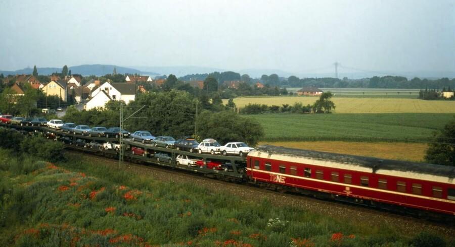 Snart slut med at køre sammen med sin bil i tog gennem Tyskland.