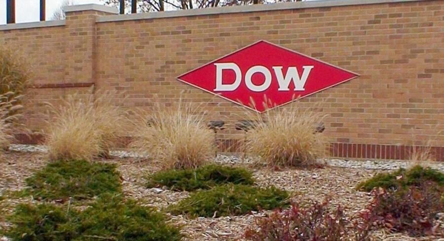 Den amerikanske kemikaliegigant Dow Chemical kom ud af årets fjerde kvartal 2015 med et justeret resultat per aktie på 93 cent mod forventede 69 cent.