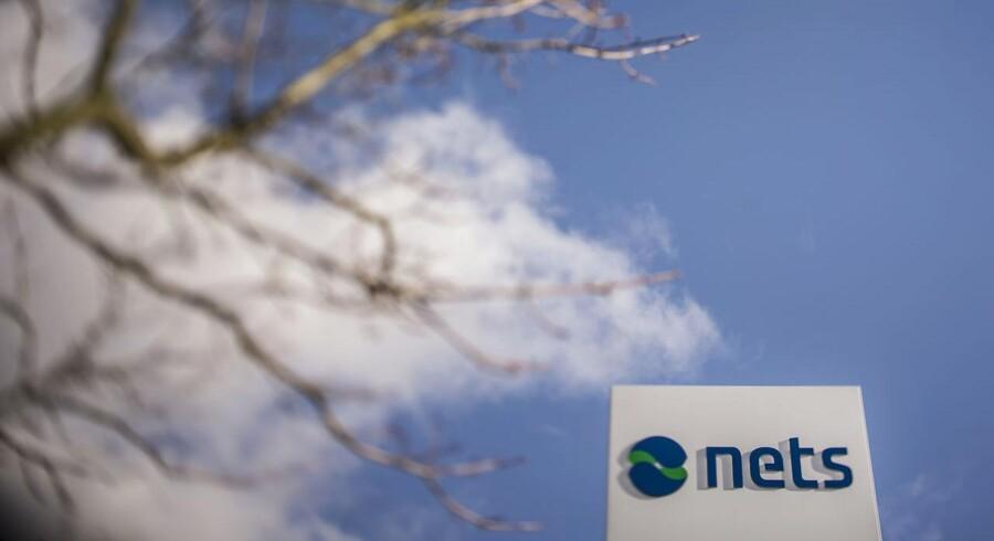 Advent International, ATP og Bain Capital har mandag underskrevet en aftale om at købe 100 procent af aktiekapitalen i Nets for 17 milliarder kroner.