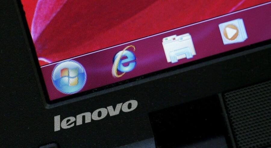 Lenovo er den procent, der fortsat levere flest PCer til forhandlerne, men det samlede salg af de stationære og bærbare computere fra alle producenter fortsætter med at falde - og det er sjette kvartal i træk ifølge IT-analysehuset Gartner. Bobby Yip / Reuters / Scanpix