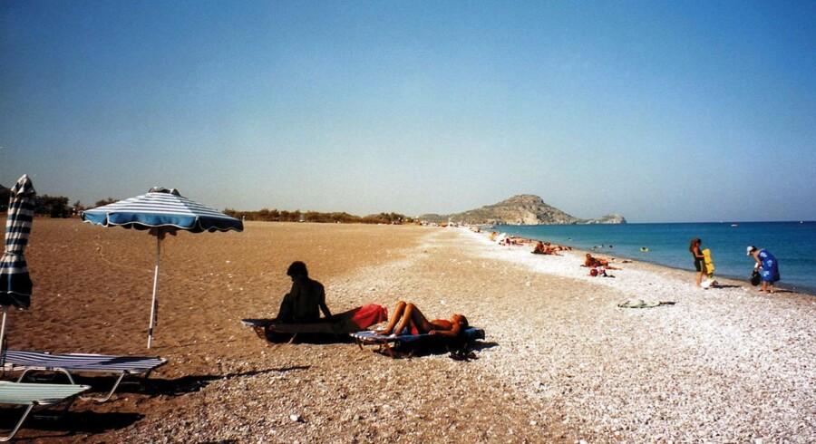 En del græske hæveautomater løb i weekenden tør for penge ved udsigten til lukkede banker. Turister opfordres derfor til at tage godt med kontanter med på ferien.
