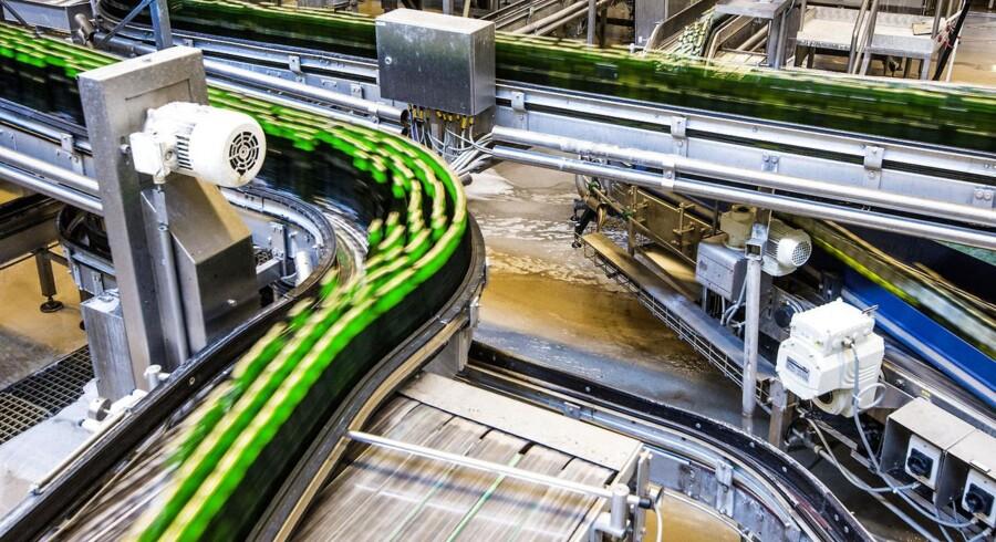 Produktionen faldt i maj, men fødevarebranchen - herunder bryggerier som Carlsberg - steg med 4,1 procent.