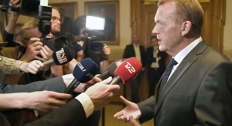 Lars Løkke Rasmussen fremlægger plan om en ren Venstre regering.