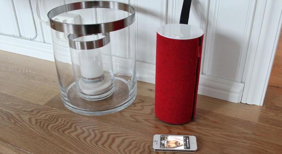 De rød-hvide farver pryder denne fantastiske højtaler, der med iPhone og iPad kan benyttes overalt. Foto: Espen Irwing Swang, Amobil.no