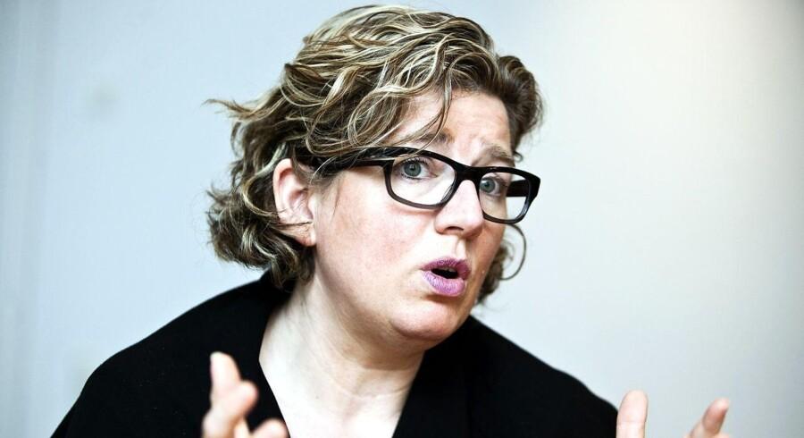 »Det er naturligvis dejligt at glæde sig over, at det går så godt på rigtigt mange parametre, men danske virksomheders brug af IT kan godt blive bedre. Vi skal have endnu flere små og mellemstore virksomheder med,« siger videnskabsminister Charlotte Sahl-Madsen.