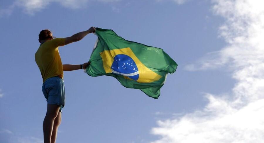 Den brasilianske økonomi er i dag verdens sjettestørste. På otte år, fra 2003 til 2011, har Brasilien formået at løfte 40 mio. ud af landets 200 mio. indbyggere op i middelklassen.