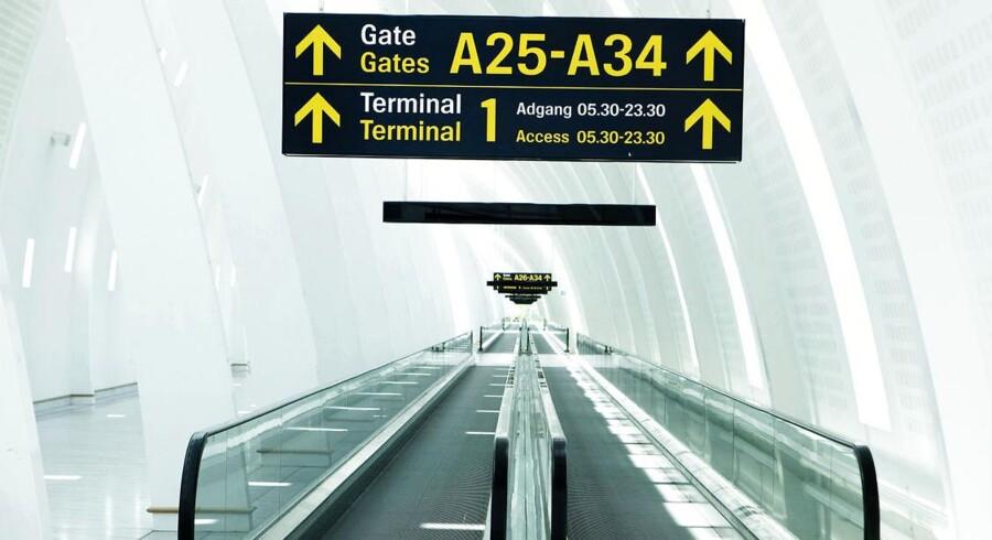 Fly trafik, rejser og destinationer. Her ses rullebånd mod gates i Københavns Lufthavn.