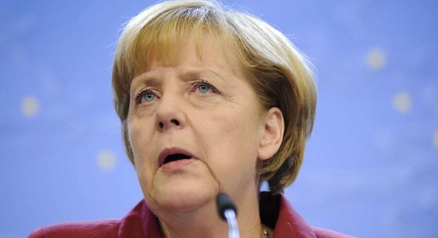 De tyske politikere er i gang med at sætte landets økonomiske fremskridt over styr med dyre planer og en mindsteløn på 64 kroner i timen, advarer fire ud af de fem tyske vismænd.