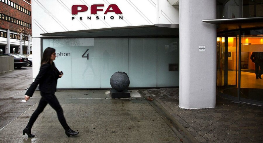 Landets største pensionsselskab lovede en gave i form af en trecifret milliongaranti til DONG i 2013. Men PFA har aldrig offentliggjort eksistensen af disse kæmpegarantier i sit regnskab. Problematisk, mener ekspert.