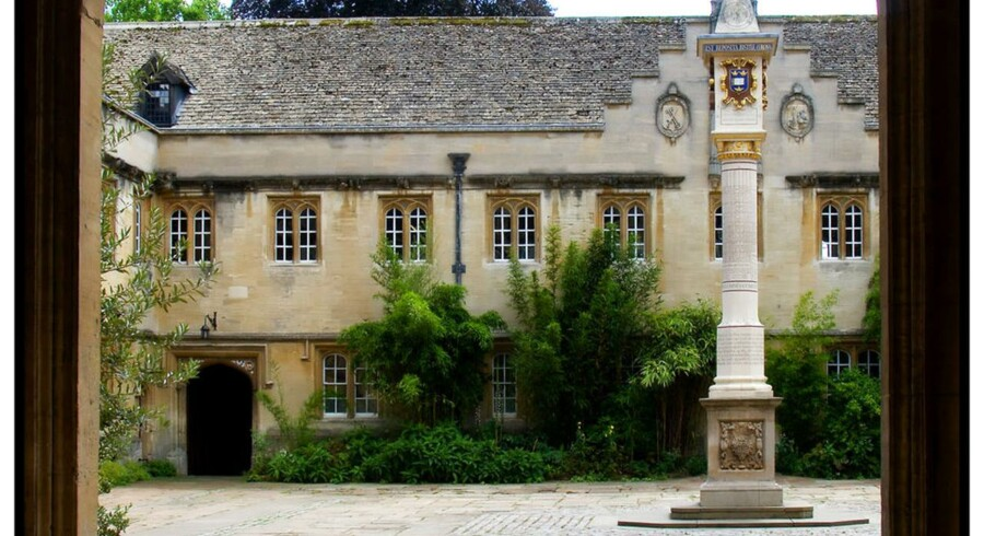 Corpus Christi College i Oxford. Grundlagt 1517 af Richard Foxe, Biskop af Winchester og er en del at Oxford Universitet.