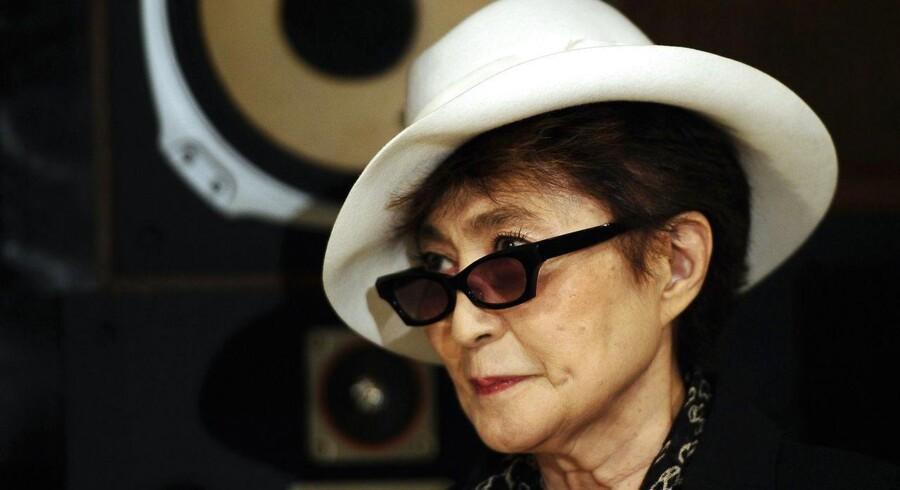 John Lennons enke, Yoko Ono, uddeler fredspriser til Lady Gaga og Pussy Riot.