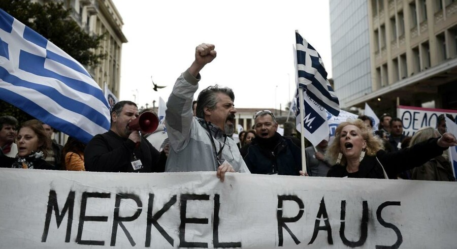 Lønnen i den offentlige sektor står til at stige, og det skaber nervøsitet for græsk økonomis fremtid