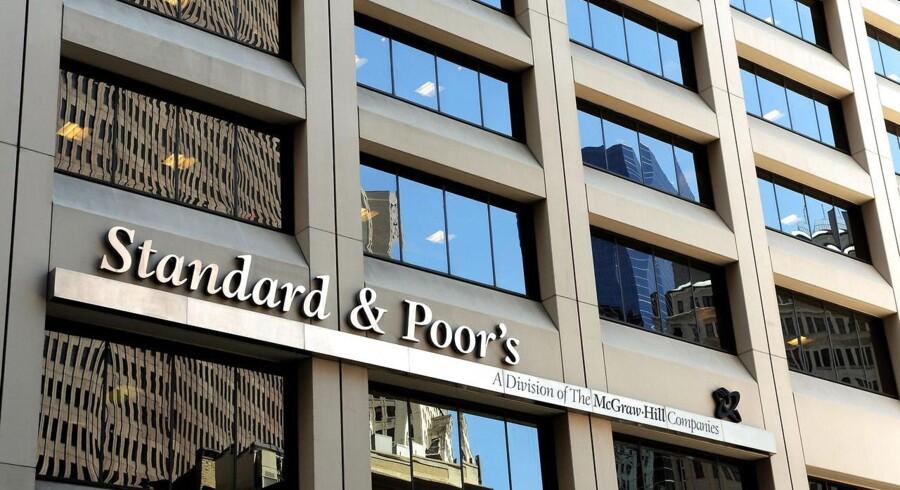 """Standard & Poor's (S&P) sænkede fredag Finlands kreditvurdering til """"Aa+"""" fra tidligere """"Aaa"""" på grund af lavere vækstudsigter og risiko for en længere periode med en stagnerende økonomi. Danmark kan ende i samme situation."""