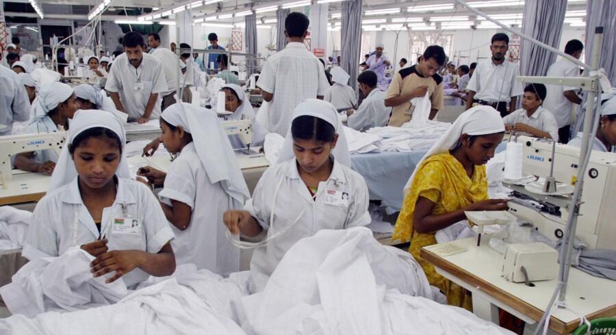 Syersker på arbejde i en tøjfabrik i Gazipur nær Bangladesh' hovedstad Dhaka.