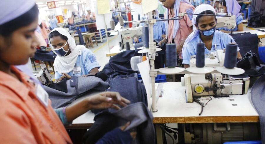 Bangladeshiske fabriksarbejdere får fremover hjælp af danske virksomheder til at sikre de bygninger, de arbejder i. Jysk er dog ikke omfattet af den aftale, som sikrer den danske hjælp til produktionslandet via den internationale aftale om brand- og bygningssikkerhed.