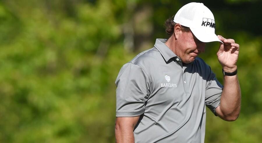 Phil Mickelson er en af verdens mest kendte og vellidte golfstjerner. Hans involvering i en større sag om insiderhandel har dog ridset lakken i hans renommé.