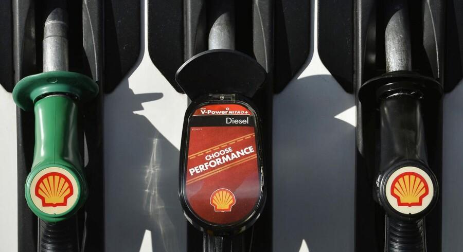 Shell ser sig nødsaget til at lukke gigantisk borerig i Nordsøen som følge af faldet i oliepriserne, hvilket vil koste adskillige milliarder dollar.