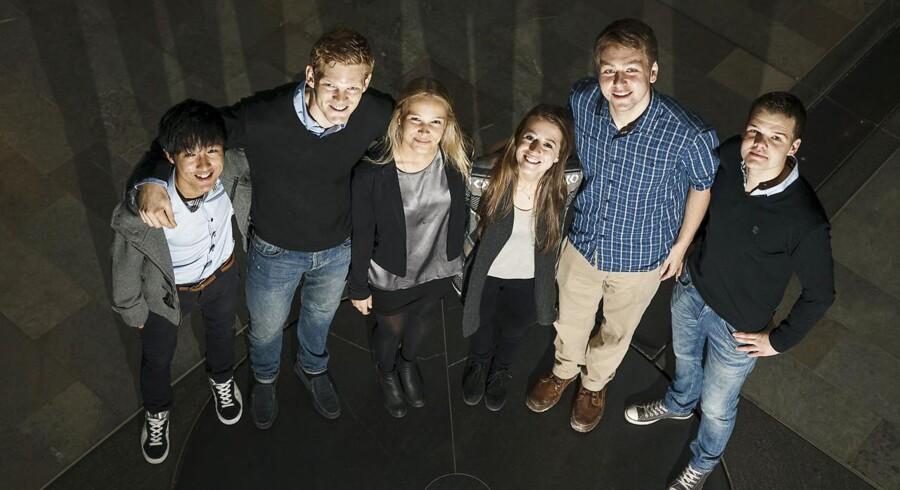 Seks CBS-studerende fra en international uddannelse.