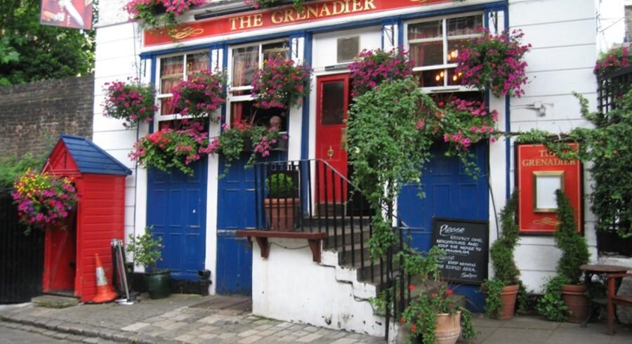 The Grenadier: Navnet hentyder til, at stedet oprindeligt fungerede som messe for hertugen af Wellingtons officerer.