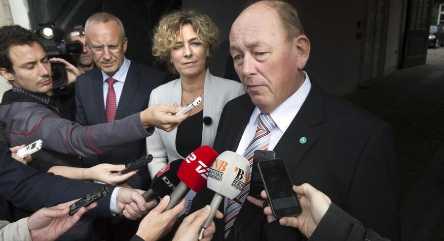 Formand for LO Harald Børsting opfordrer Enhedslisten til at komme tilbage til forhandlingsbordet og finde en aftale om de to punkter om social dumping, hvor regeringen har givet sig.