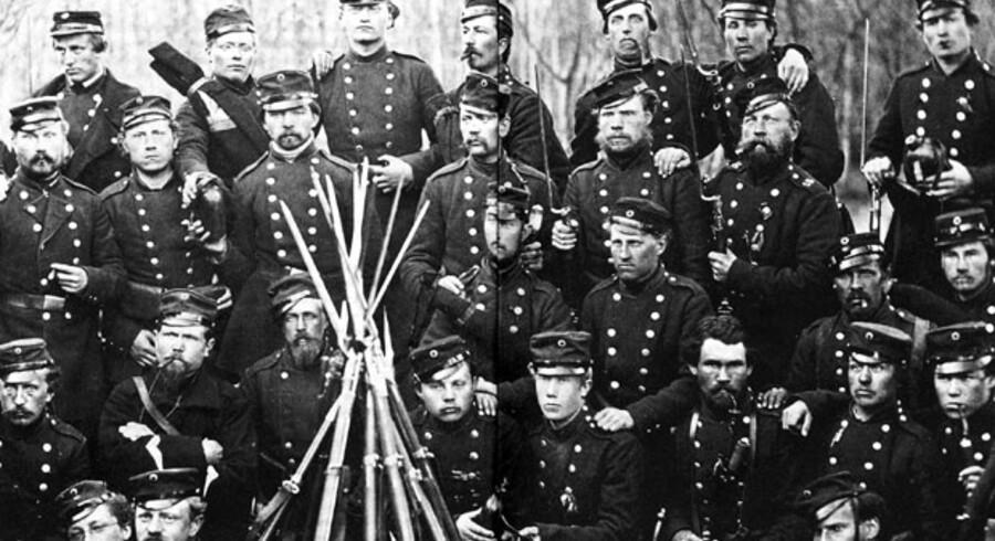 Kampen om Als blev det blodigste slag i dansk historie. Flere end 3.000 soldater blev dræbt, såret eller taget til fange. Danmarks situation var desperat. Her ses hårdføre danske soldater fra kaptajn Aarøes strejfkorps.