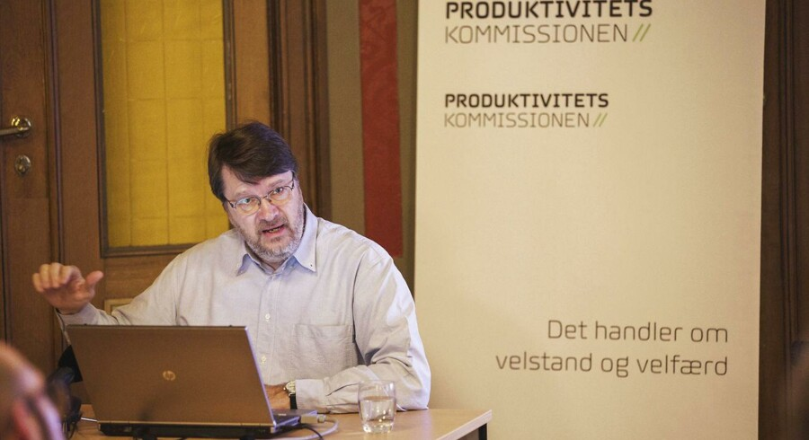 Formand for Produktivitetskommissionen fremlægger dagens rapport.