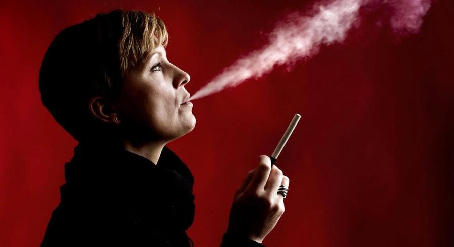 USA'øs næststørste tobaksproducent Reynolds kalder e-cigaretten »en fantastisk forretningsmulighed« og intensiverer investeringer i alternativer til de traditionelle cigaretter.