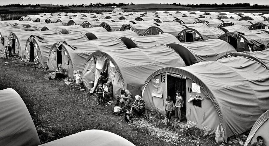 Den tyrkiske flygtningelejr Arin Mirkan. Ca 3000 flygtninge bor i denne lejr der ligger 5 kilometer fra den syriske grænse.