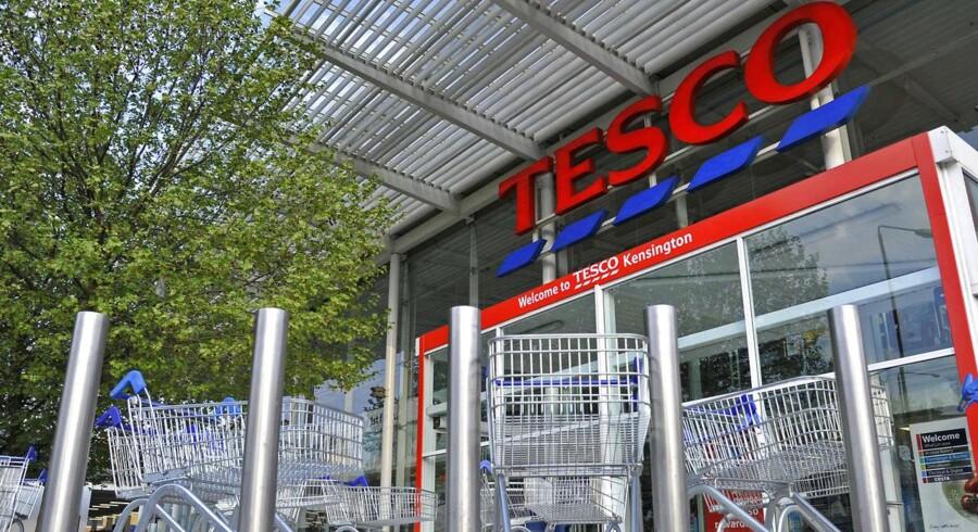 Tesco og Barclays, som er to af de kritiserede firmaer, fastholder, at man er blandt de største skatteydere i Storbritannien.