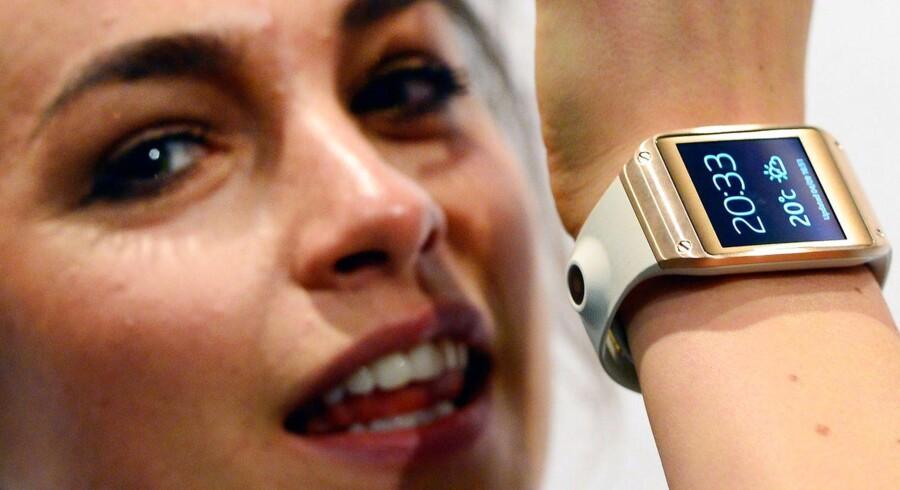 Samsungs nye, smarte ur, er ikke så smart som håbet. Sådan lyder de første indtryk af Galaxy Gear. Foto: Scanpix