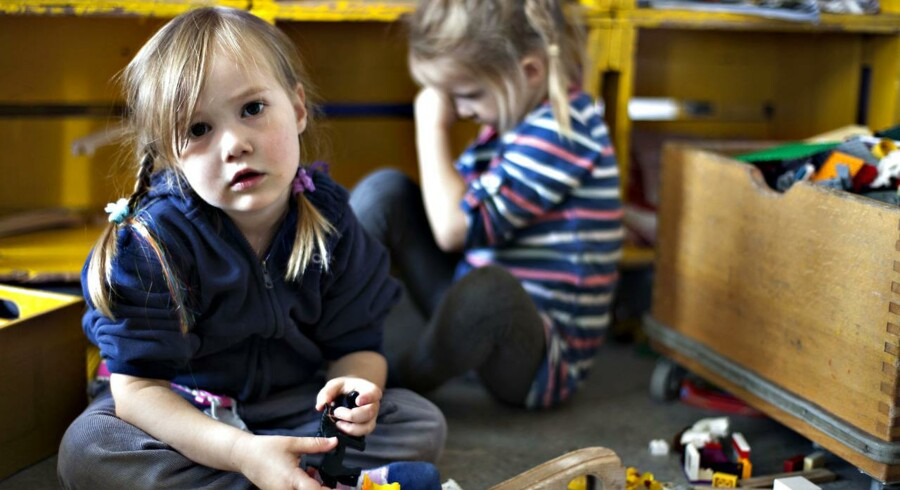 ARKIVFOTO. Hver fjerde voksne dansker fortryder, at de ikke tilbragte mere tid med deres børn, mens de var små.