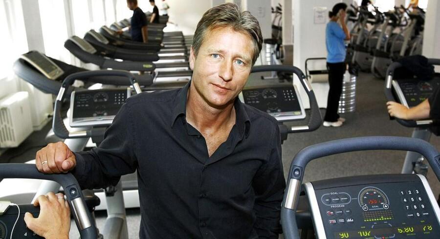Henrik Rossing koncentrerer sig i dag om at udvikle nye centre. Der bliver dog også tid til lidt træning, og kunder i Fitness World kan finde indehaveren både til løbetræning og bodybike.