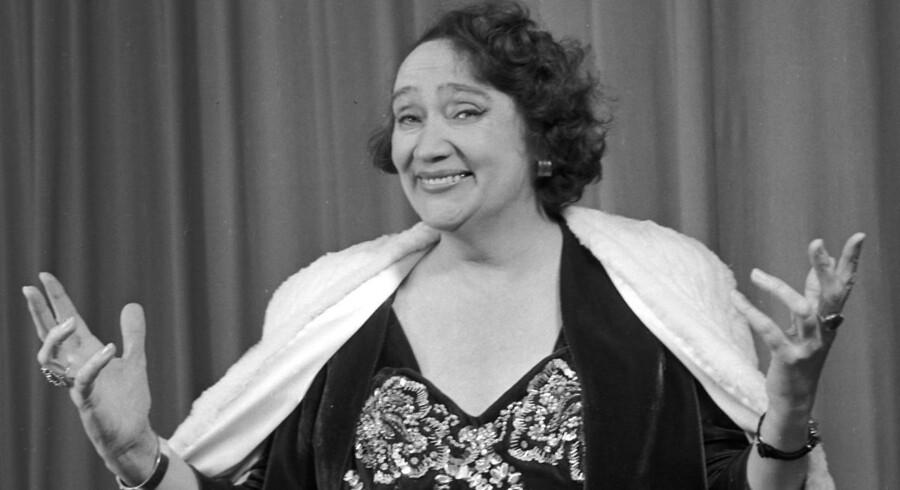 Live Weel var slank og flot på publicitybillederne forud for premieren på den store revy i Tivoli i 1946. Siden skulle det gå så grueligt galt.