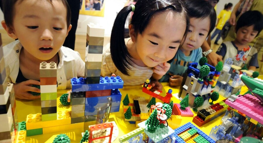 Der er en enorm middelklasse på vej i mange asiatiske lande. Og deres børn skal lære at lege med klodser, hvis Lego skal kunne holde trit med konkurrenterne.