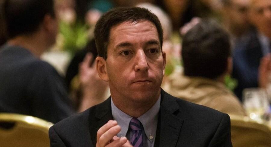 Graverjournalisten Glenn Greenwald er en af journalisterne, der har været med til at afdække NSA-afsløringerne i samarbejde med whistlebloweeren Edward Snowden. Greenwald skriver for The Guardian, som sammen med The Washington Post har modtaget Pulitzerprisen i kategorien »public service journalism«. Prisen kommer ti måneder efter, at The Guardian publicerede den første artikel om overvågningen på baggrund af lækager fra whistlebloweren Edward Snowden.  Pulitzer-udvalget roser blandt andet The Guardian for at have sat gang i en debat om forholdet mellem regeringen og offentligheden i spørgsmålet om sikkerhed og privatlivets fred.