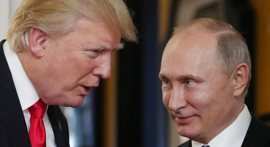 """USA's præsident, Donald Trump, og Ruslands præsident, Vladimir Putin, er i en telefonsamtale torsdag blevet enige om at samarbejde for at løse den """"meget farlige situation i Nordkorea""""."""